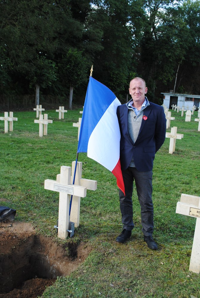 Archaeologist Cameron Ross at the graveside
