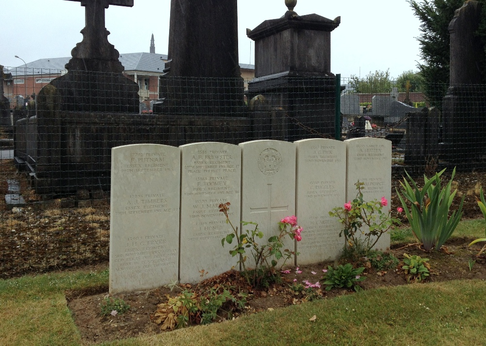 The five headstones of the Collective Grave I.DA. in Albert Communal Cemetery PRIOR to the removal of Carter and Marmon's names