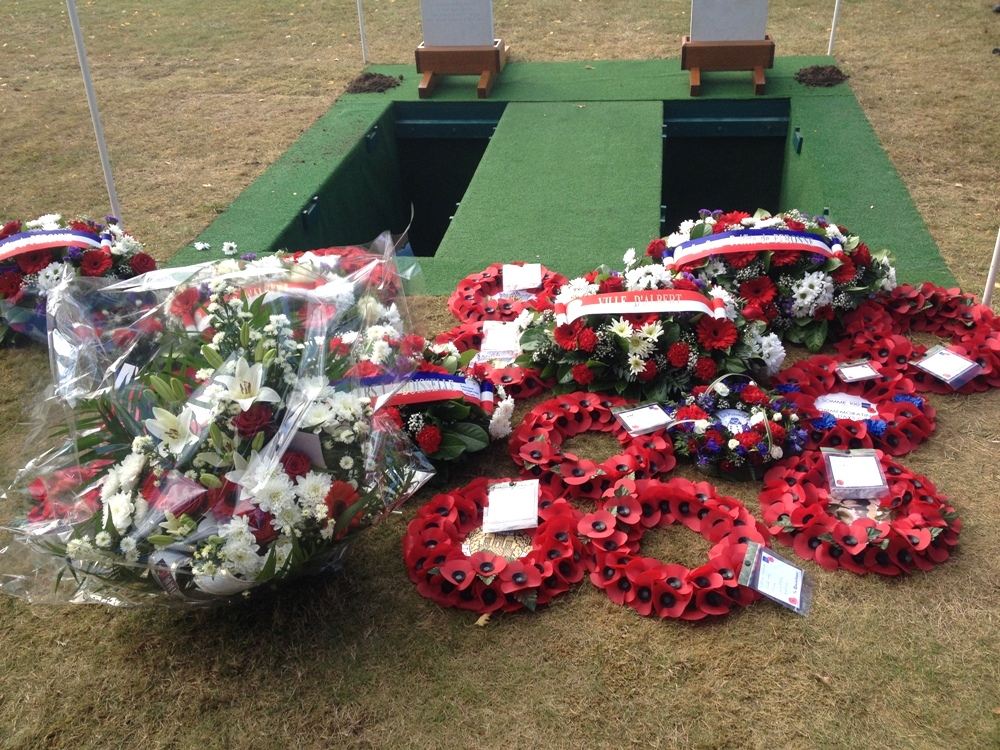 Many wreaths were laid
