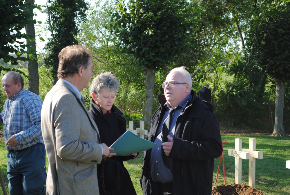 Peter Barton speaking with the great niece and great nephew of Appolinaire Ruelland