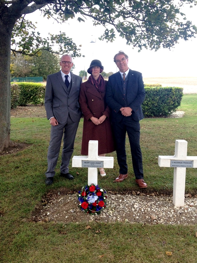 Cameron Ross, Anna Gow & Peter Barton at the grave of Louis Heurt