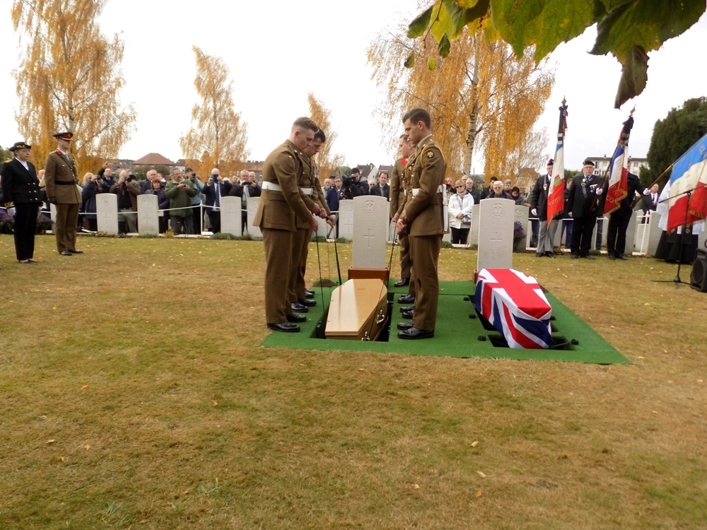 Inhumation du soldat Harry Carter