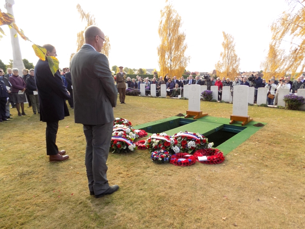 Peter Barton and Cameron Ross laid wreaths for both men on behalf of the LBSG